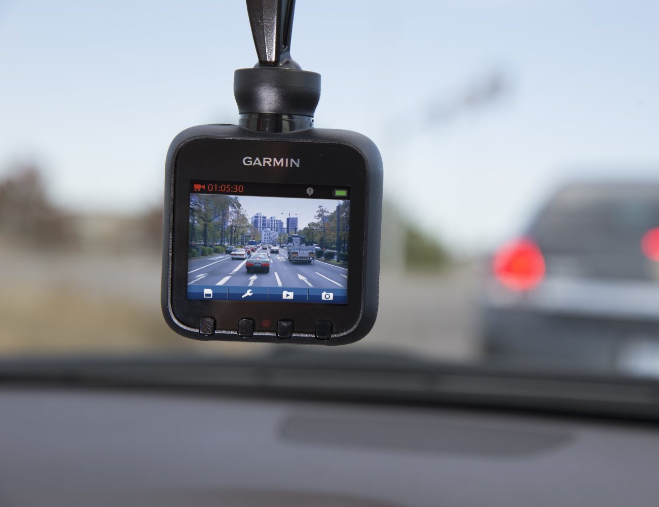 Garmin Dash Cam 20 GPS Driving Recorder