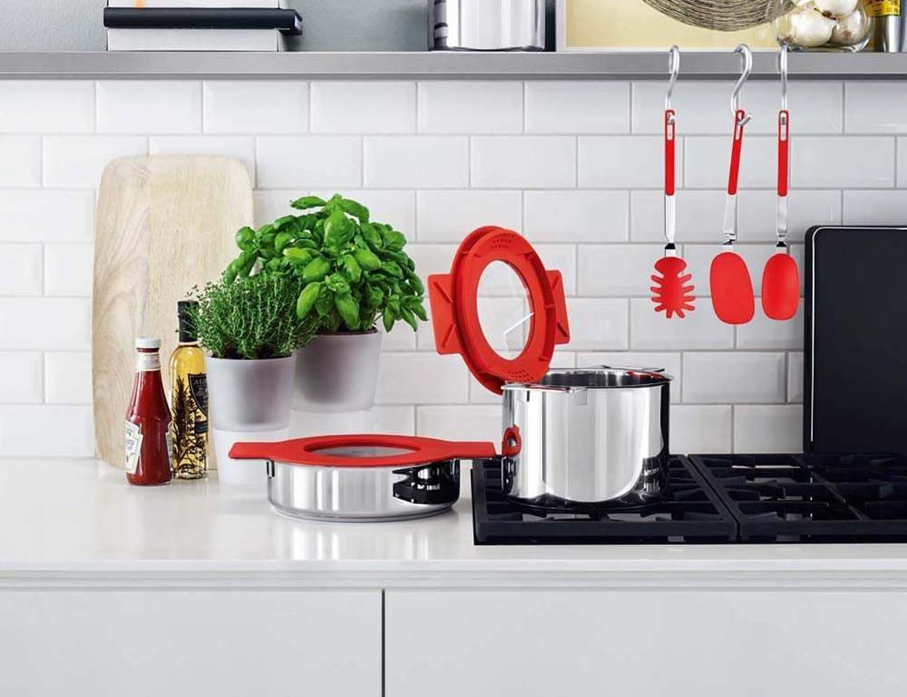 Gravity Cookware – New Series of Pots and Pans by Eva Solo