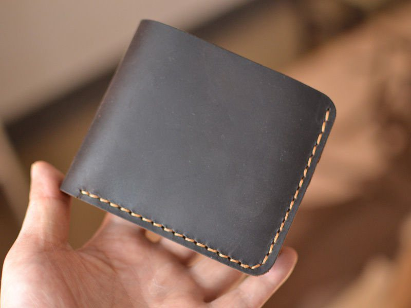 handmade-leather-wallet-02