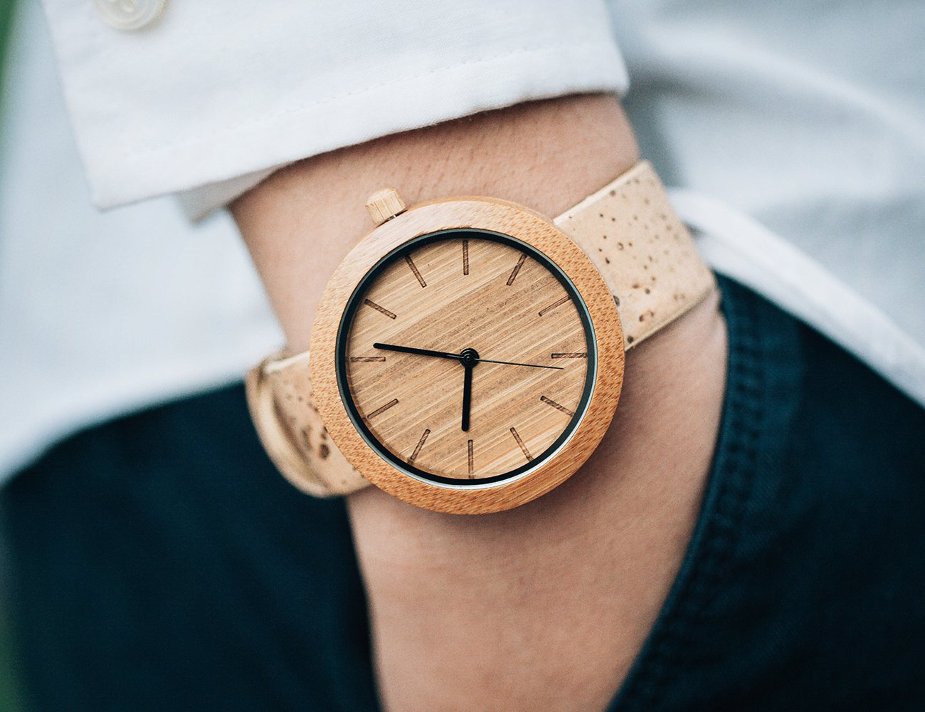 consumer bebaviour on wrist watch with Consumer buying behavior refers to the buying behavior of the ultimate consumer a firm needs to analyze buying behavior for: buyers reactions to a firms marketing strategy has a great impact on the firms success.