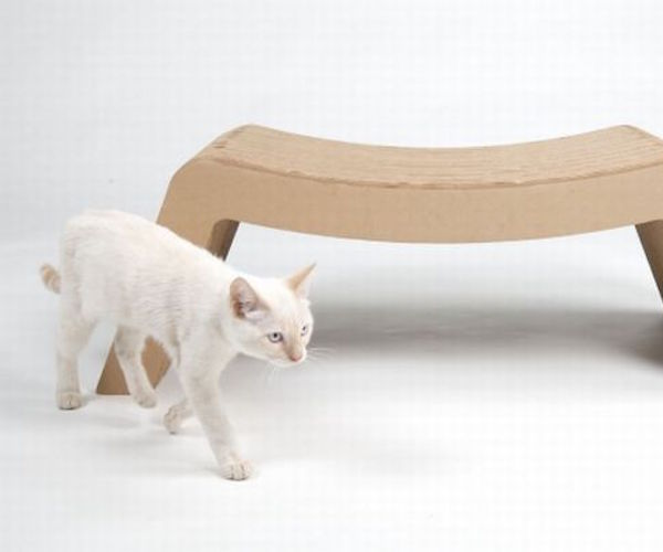 Prrrounge – Cardboard Made Pet's Chaise Lounge