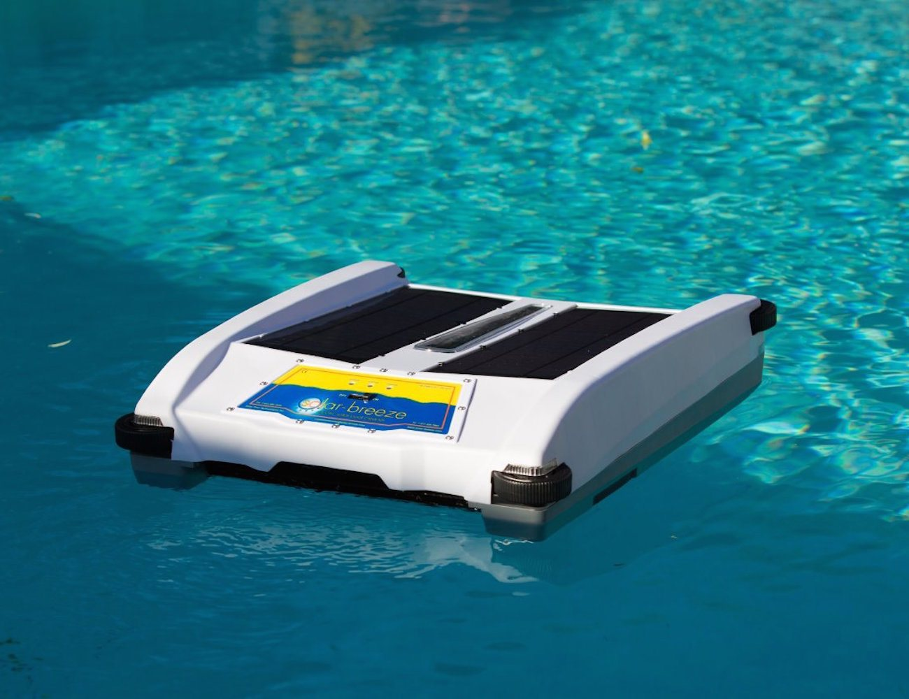 Robotic solar pool skimmer gadget flow for Skimmer piscine