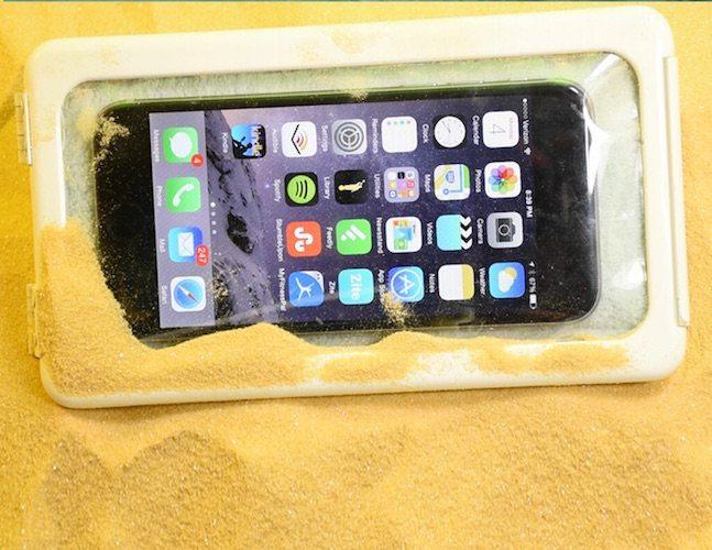 shower-case-smartphone-holder-02