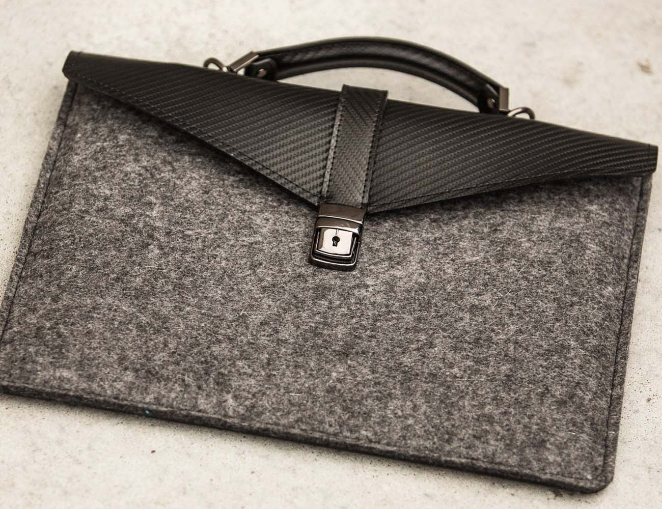 Slim Laptop/Tablet Case by ÉSTIE