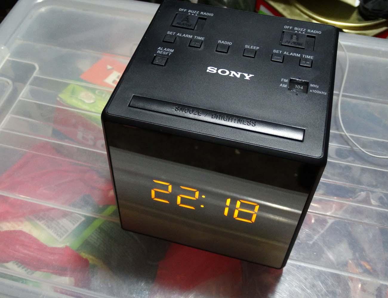 Sony Icfc1 Alarm Clock Radio 187 Gadget Flow