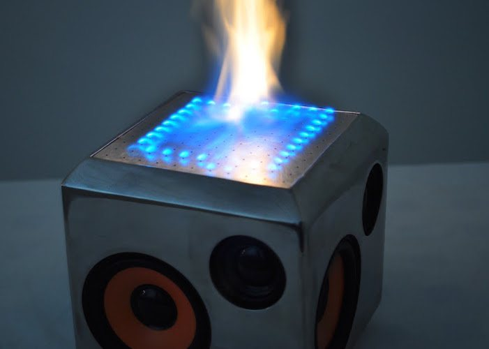 The Sound Torch – Set your Music on Fire!