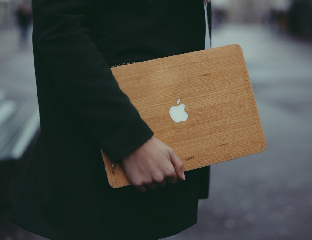 Wooden+Dresses+for+Macbooks