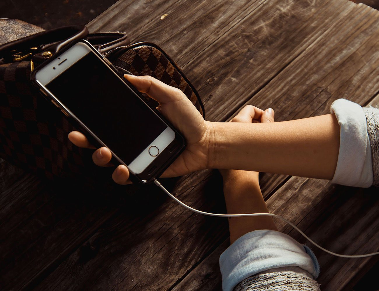 Как на айфоне сделать чтобы зарядка быстро не садилась на
