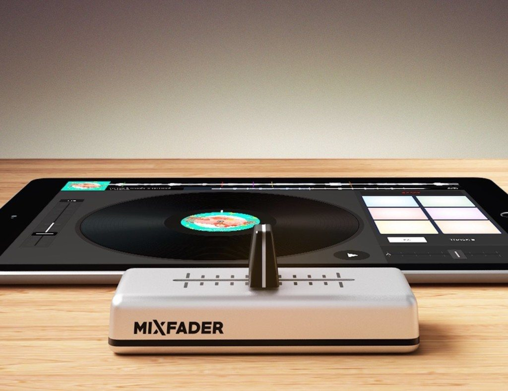 Mixfader+%26%238211%3B+The+World%26%238217%3Bs+%231+Connected+Object+For+Becoming+a+DJ