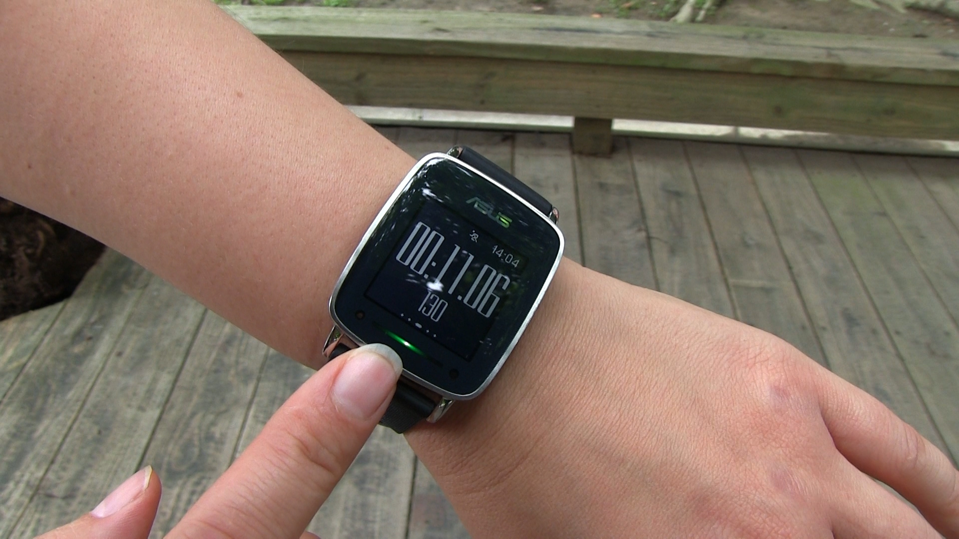 ASUS VivoWatch: Bringing Good Looks to Fitness Tracking