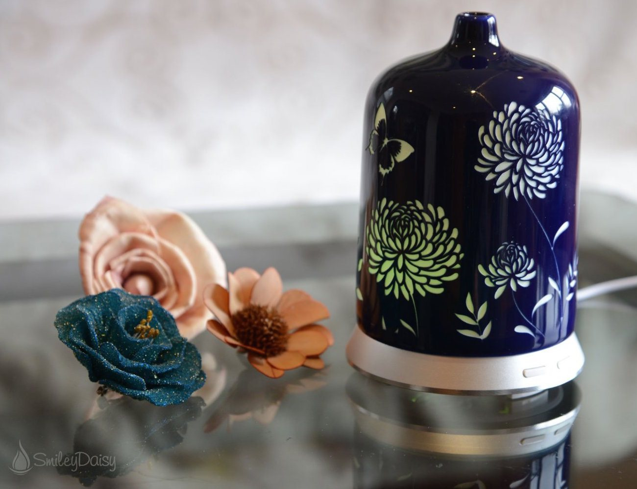 Aromatic Oil Diffusers ~ Aromatherapy essential oil diffuser by smiley daisy