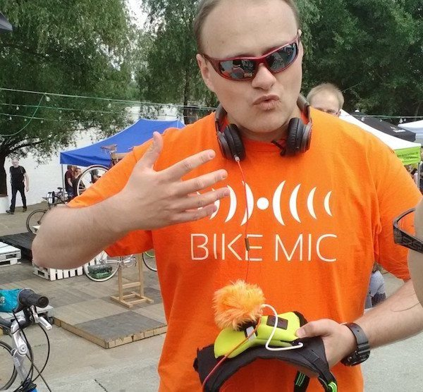 BikeMic – Listening Music on The Bicycle, SAFELY