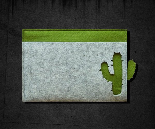 Cactus Ribbon Pull iPad /Macbook Felt Sleeve