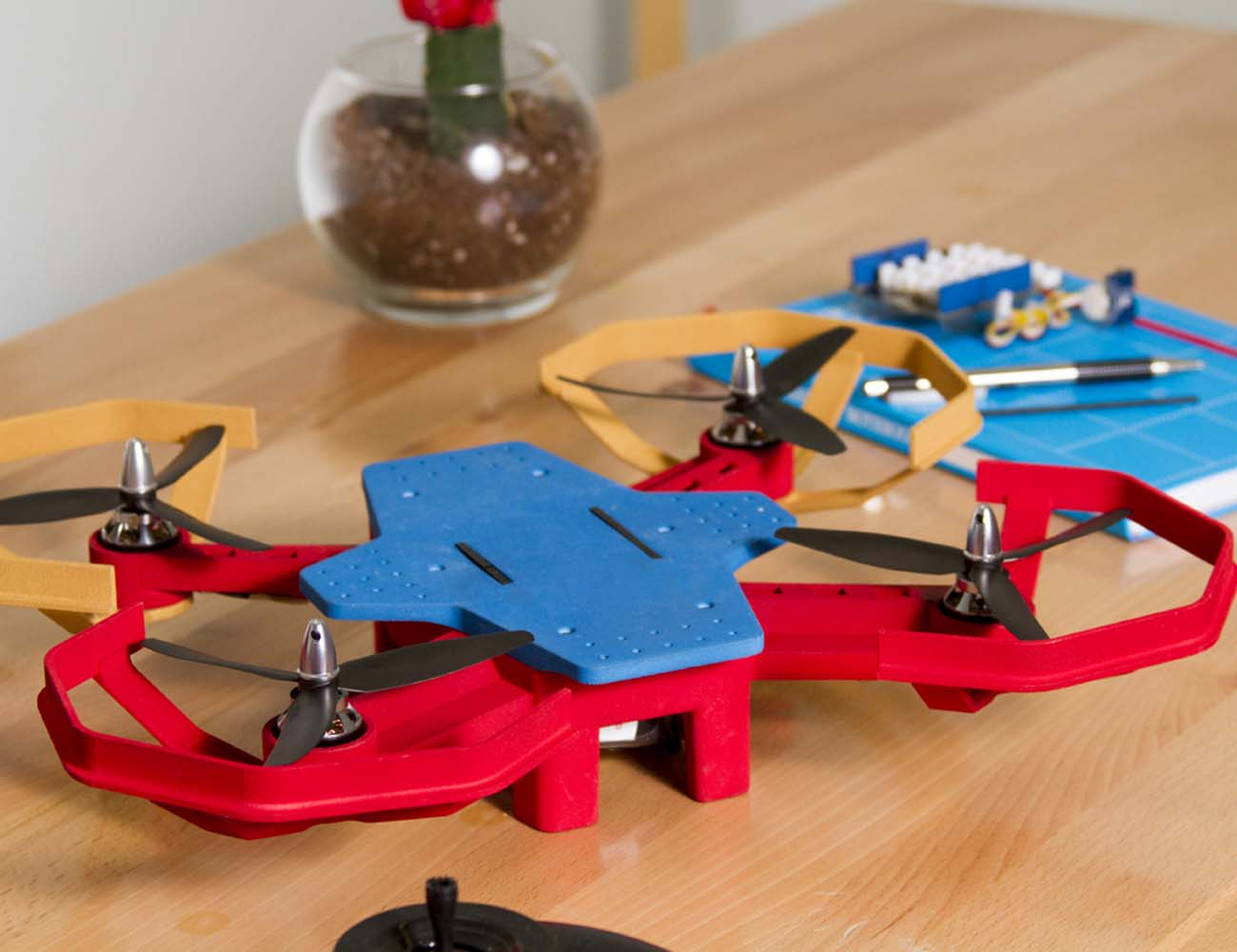 Eedu+%26%238211%3B+An+Easy+Drone+Kit+That+Teaches+You+Coding+And+Robotics