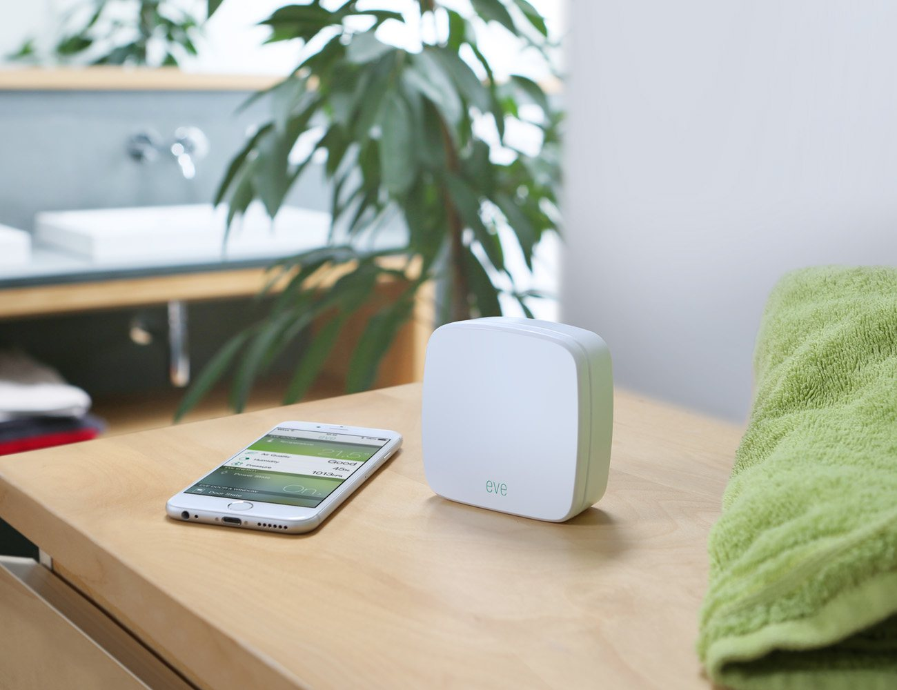 Elgato+Eve+Room+%26%238211%3B+Wireless+Indoor+Sensor+With+Apple+HomeKit+Technology