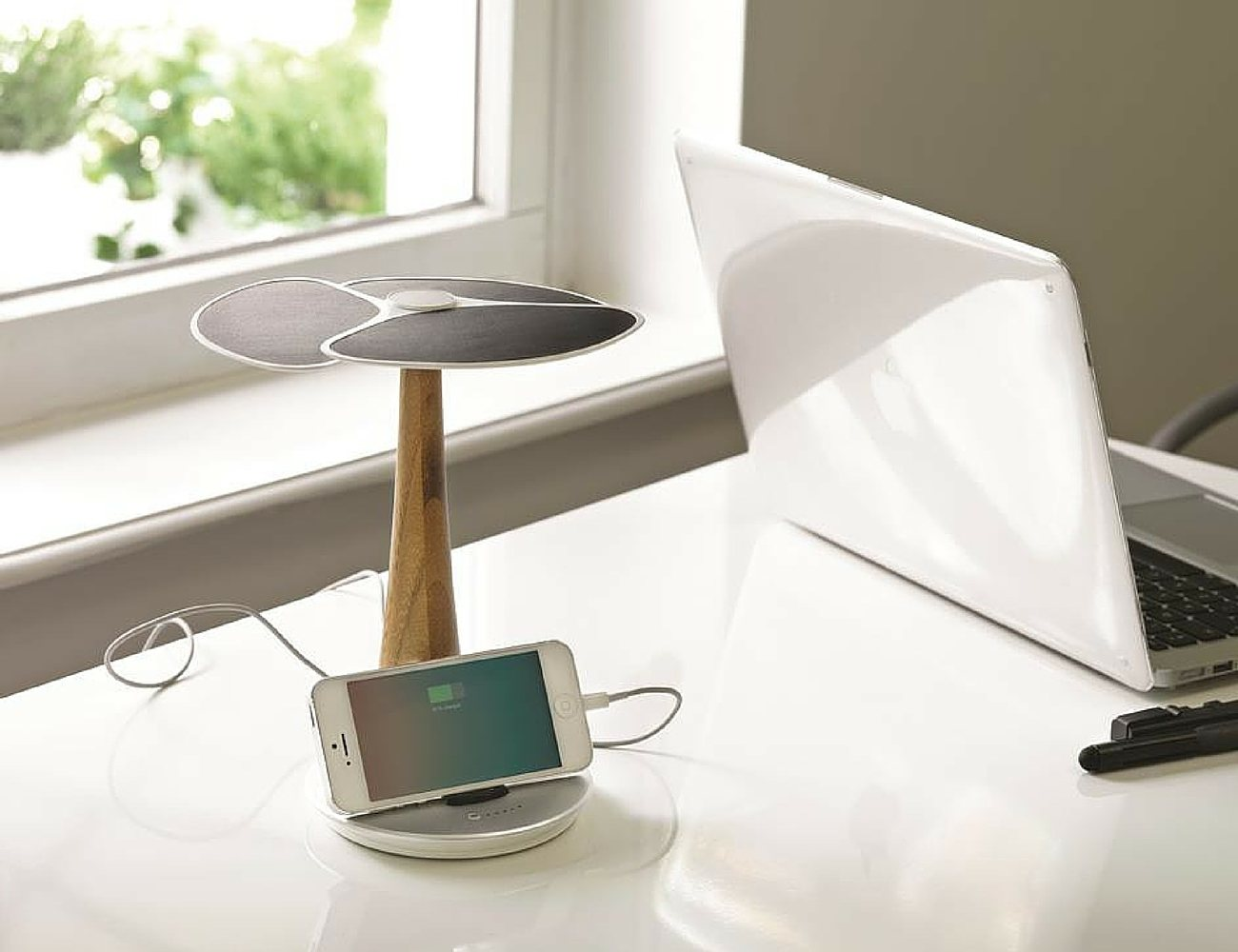 Ginkgo Solar Tree – Eco-friendly Solar Charger