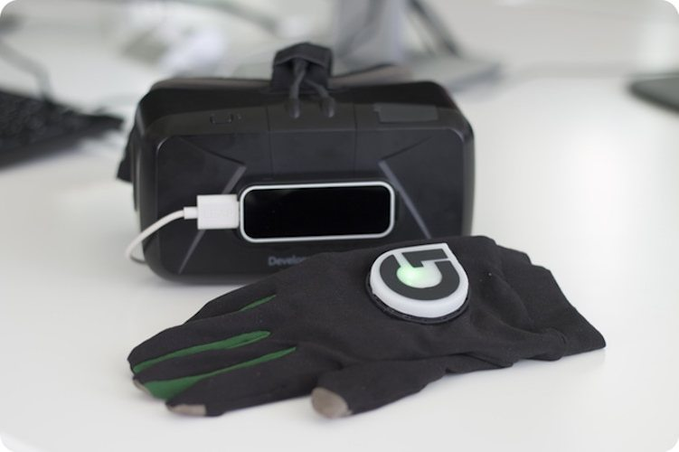 Gloveone – Feel Virtual Reality