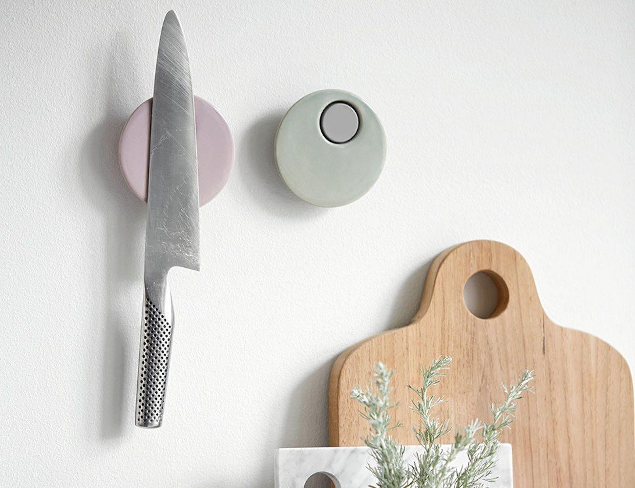 Magna Knife Magnet