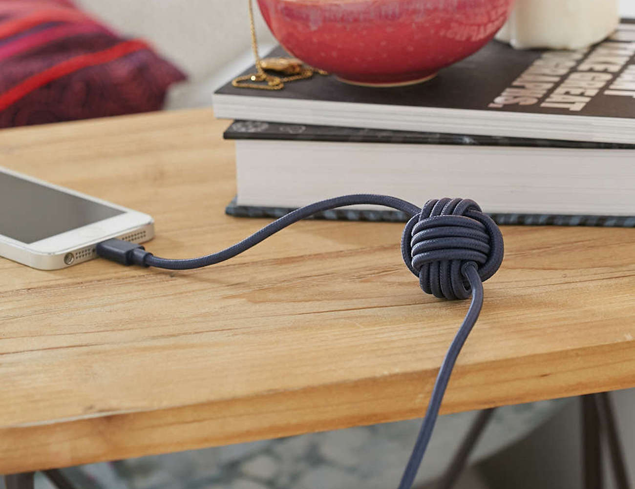 NIGHT Cable by Native Union