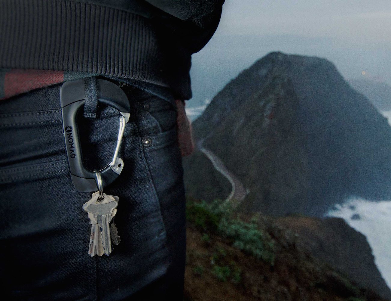 NomadClip – Rugged Carabiner Shaped Charging Cable