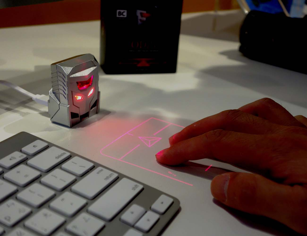ODiN – World's First Projection Mouse