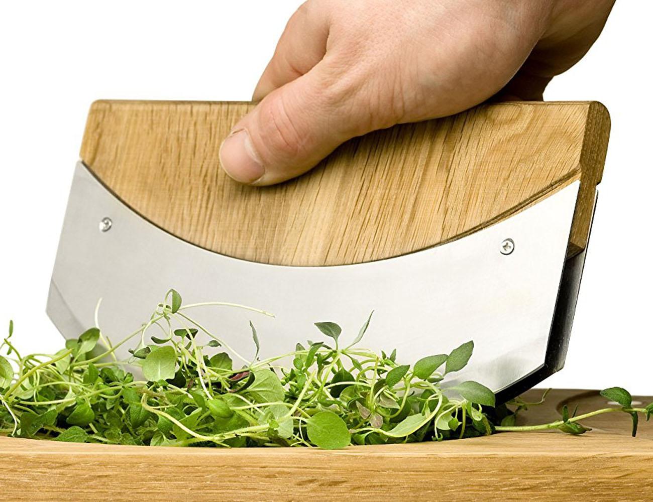Oak+Cutting+Board+With+Mezzaluna
