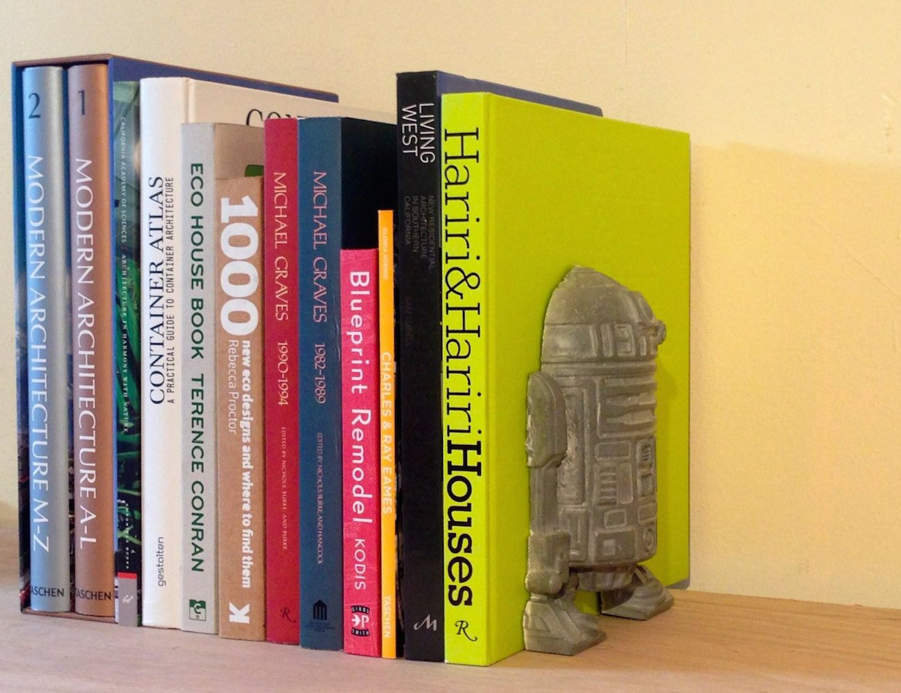 R2D2 Concrete Book End