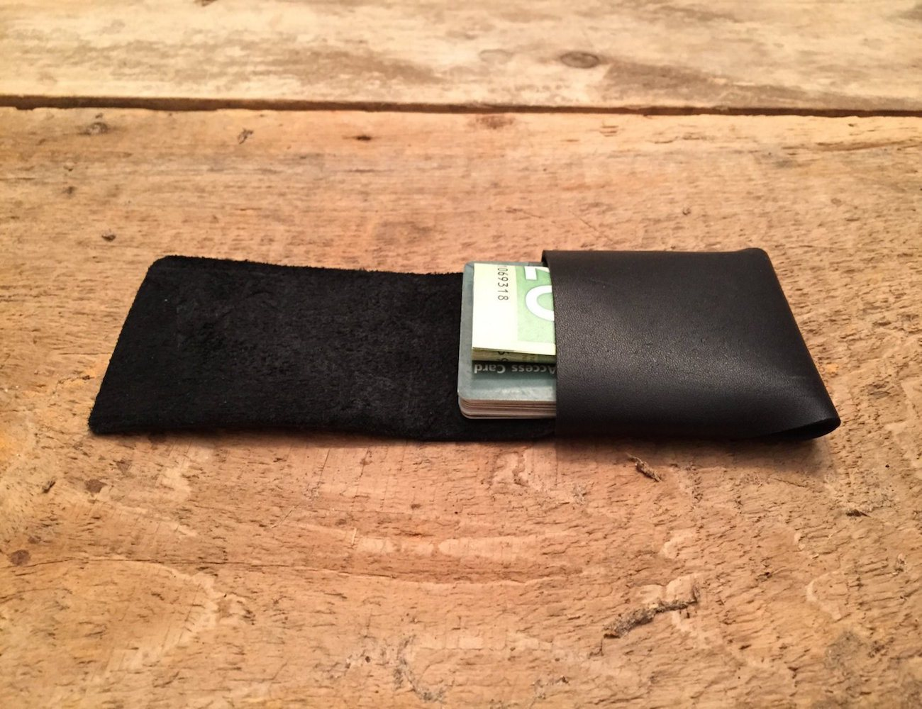 Stitchless Wallet by Tyler Pratt – Holds Cards and Folded Bills