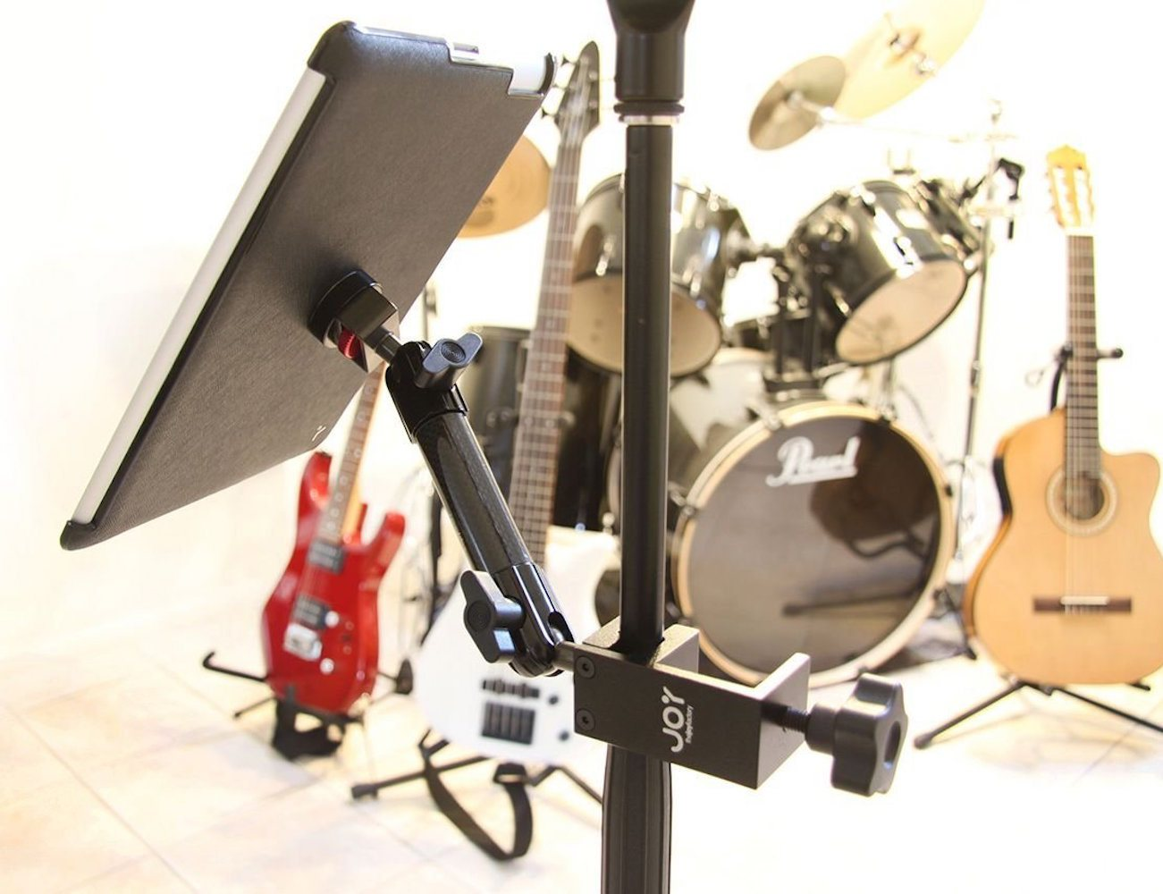 The Joy Factory Tournez C-Clamp Mount for iPad