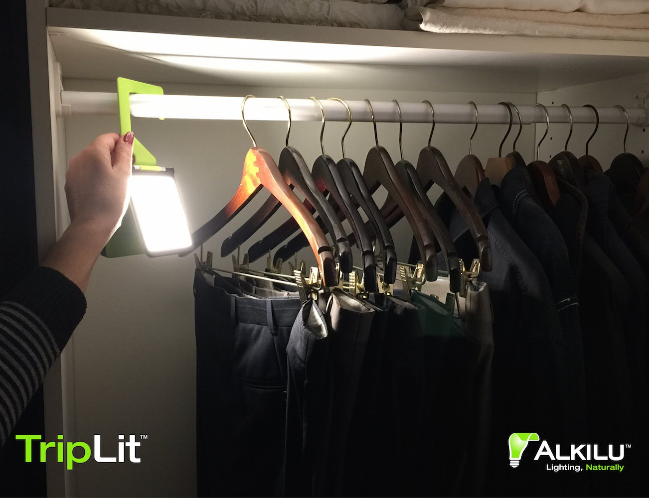 TripLit – Portable Organic LED Lamp