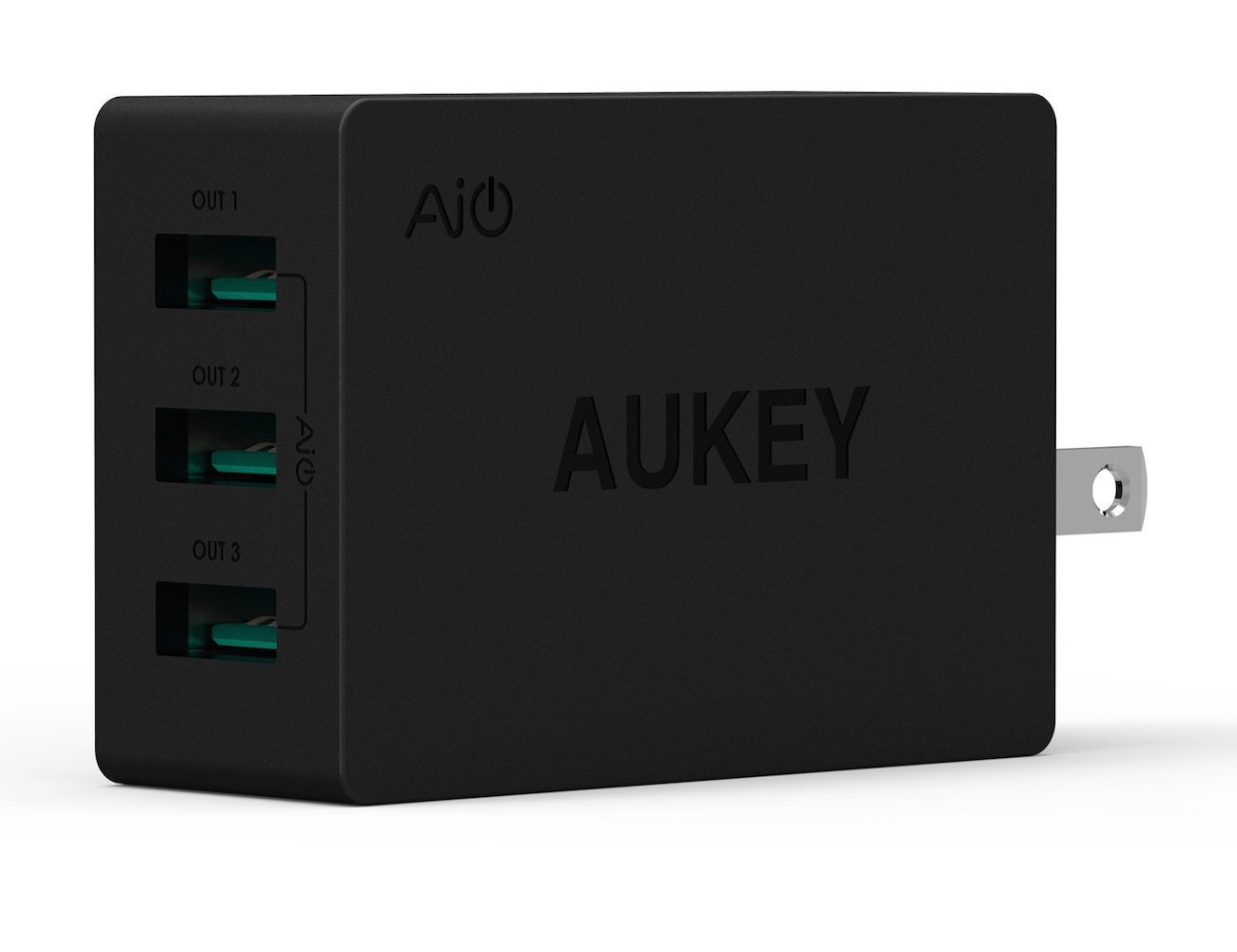 usb-travel-wall-charger-adapter-by-aukey-03
