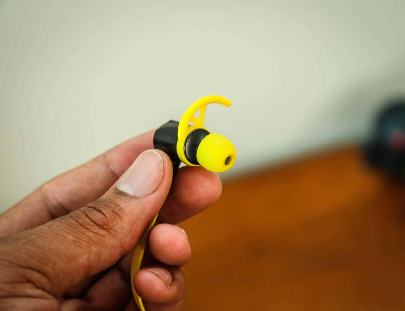 VOXOA Sports Wireless Earphones – Sweatproof and Water-Resistant