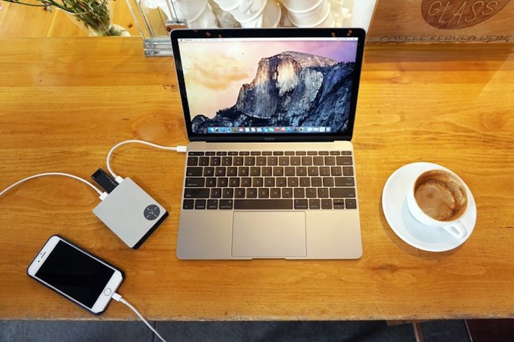 Voltus – Mobile power + expansion for your MacBook