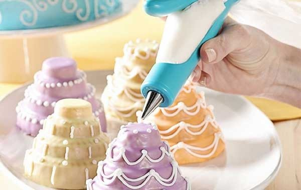 15 Best Accessories You May Need For Baking That Perfect Cake