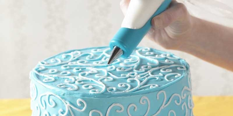 Nordic Ware Detailed Decorating Pen