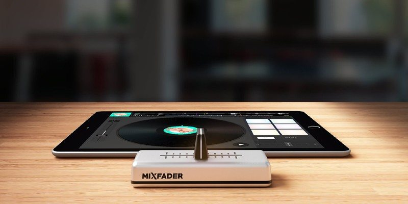 Mixfader connected device for DJs
