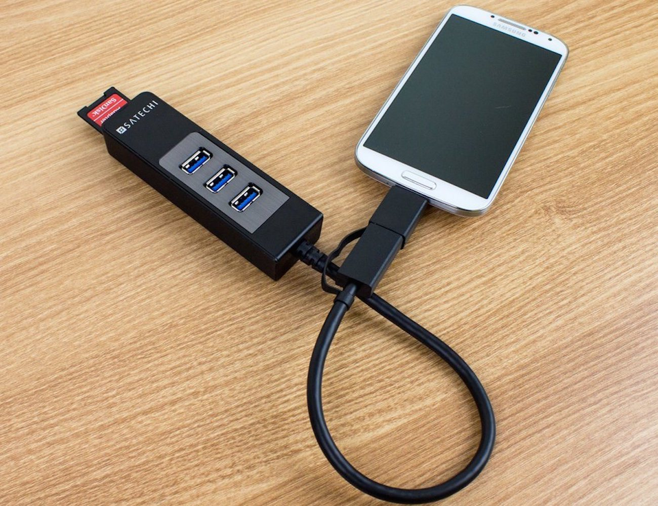 3 Port OTG USB 3.0 Hub and SD Card Reader by Satechi