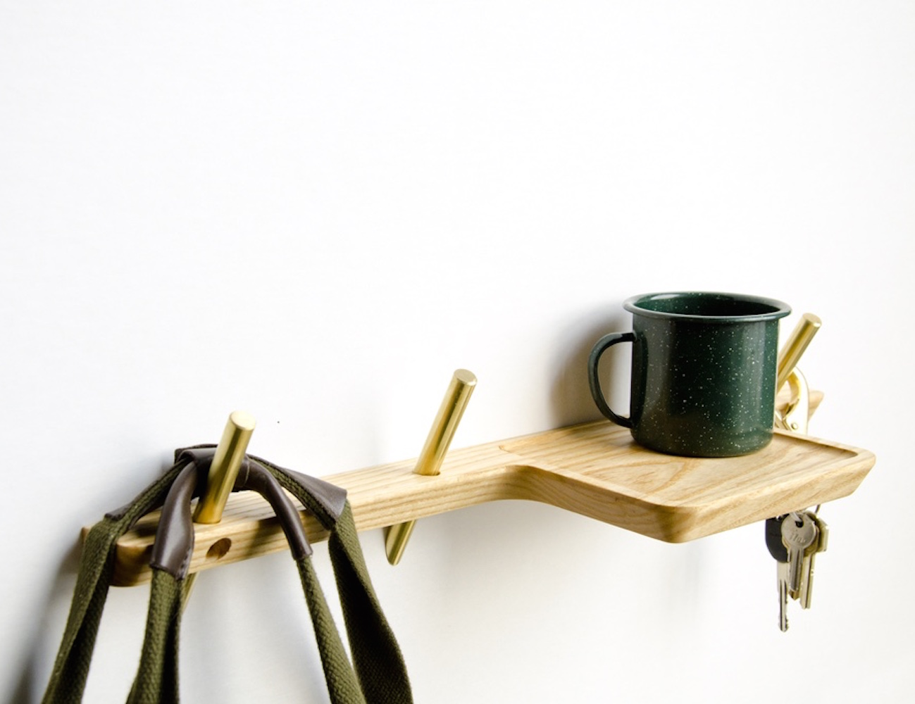 Intersect Valet – A Series of Wall Hooks and Wall Shelf