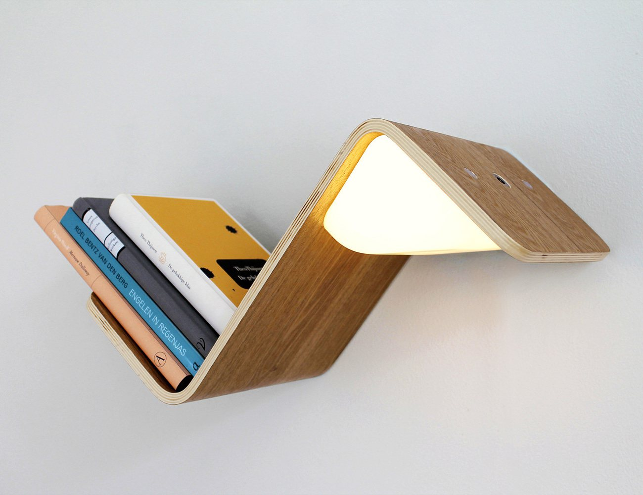 LiliLite – The All-in-One Book Lamp, Shelf, and Mark