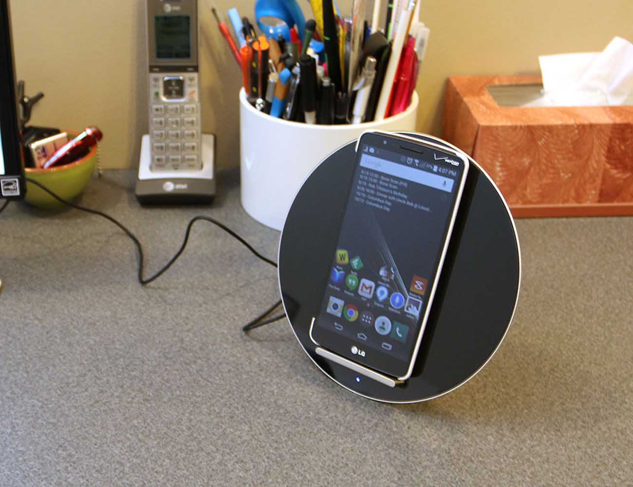 Moon Concept Multi-Point Wireless Charging Dock for iPhone, Samsung Galaxy and Nexus