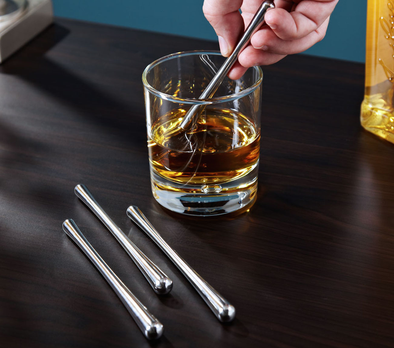 Swizzlecicles – Freezer Gel Filled Sticks to Cool Your Drink