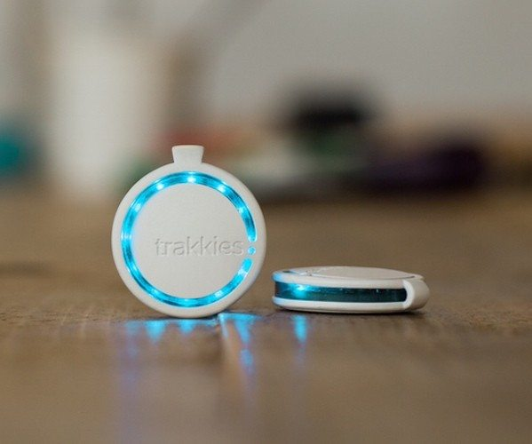 Trakkies – A Multifunctional Microcomputer For Your Things