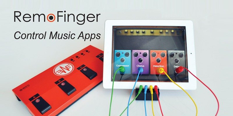 RemoFinger wireless foot controller for iPad musicians