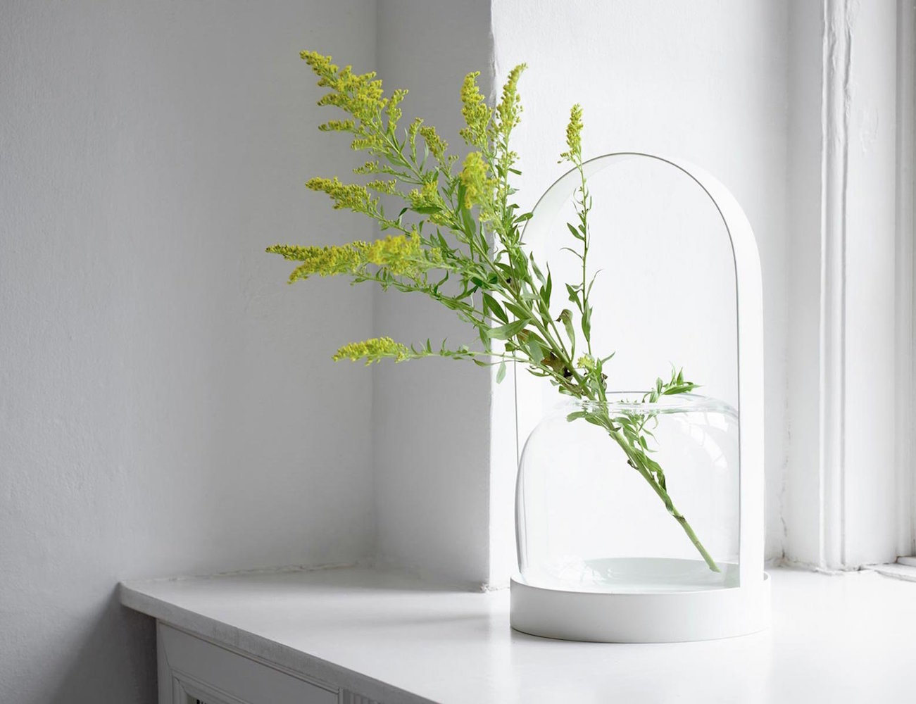 "Carrie <em class=""algolia-search-highlight"">Vase</em> - Classic Lantern Like Design"