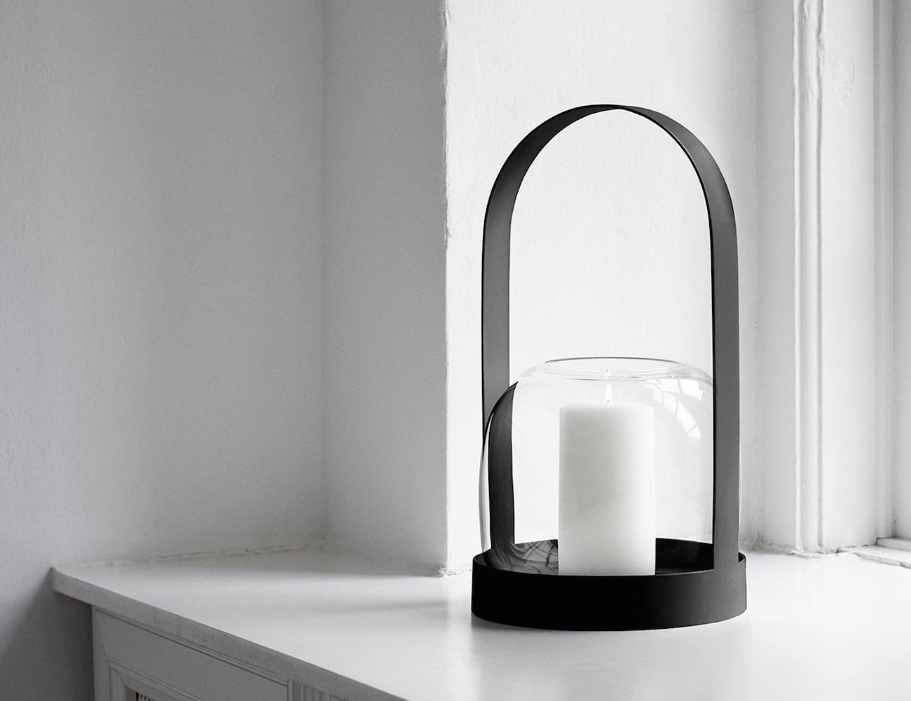 Carrie Vase – Classic Lantern Like Design