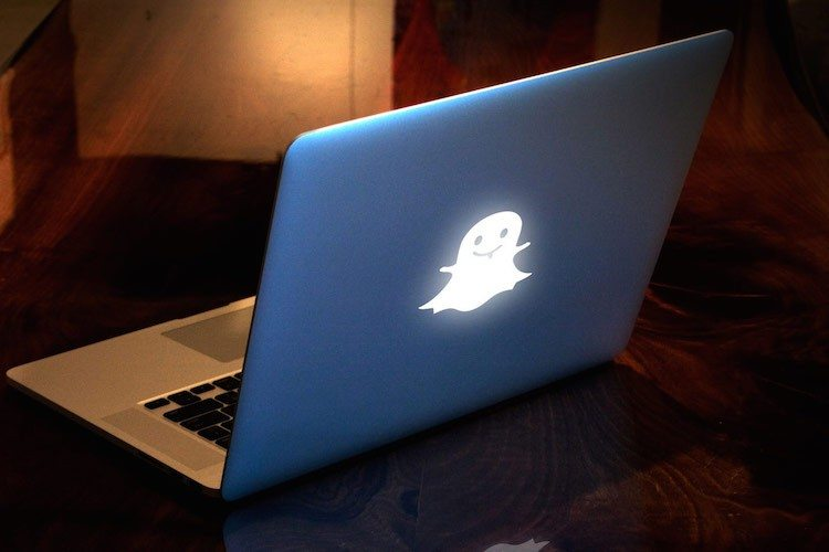 Custom Macbook Backlit Design By Uncover