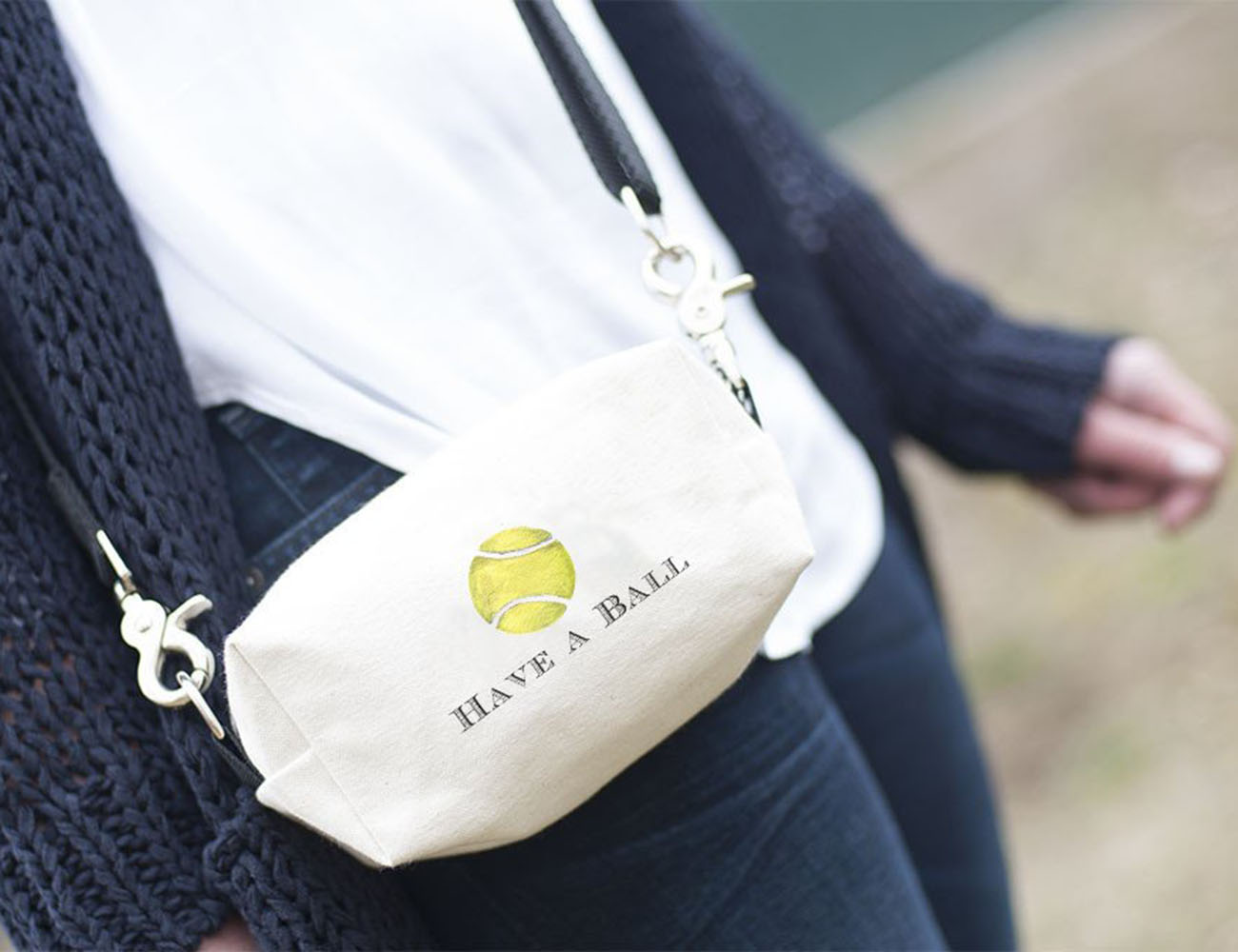 Doggy Ditty: Hip Bag and Leash for Dog Walks & More!