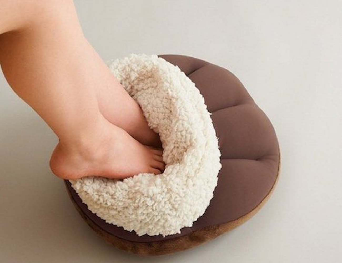 Eco Poka Feet Warmer Cushion