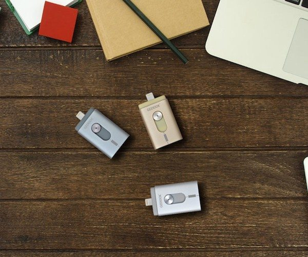 GeekBok Aidrive: MFi-certified OTG flash drive for iOS and Android