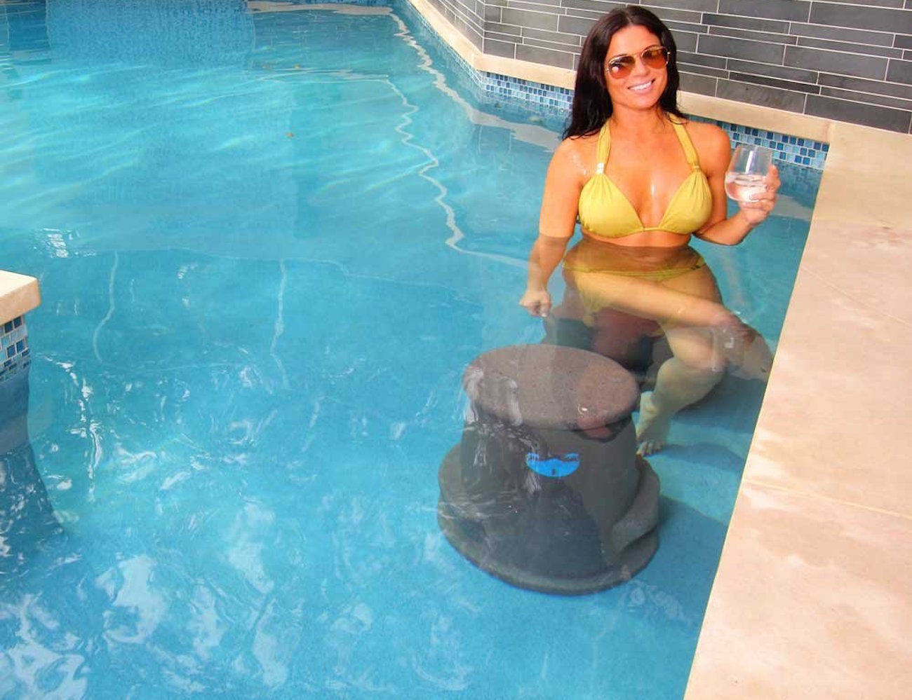 Liquidseat – Patented Pool Seat